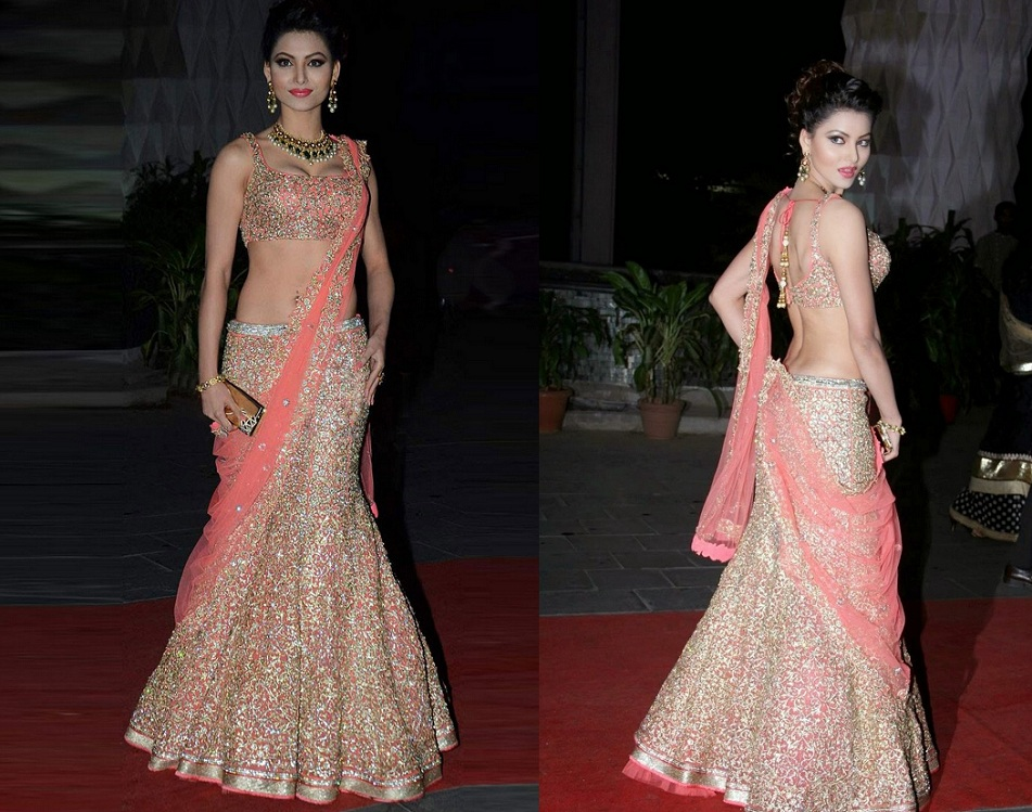 urvashi in lehenga saree, urvashi in saree, Diiferent ways to drape lehenga saree